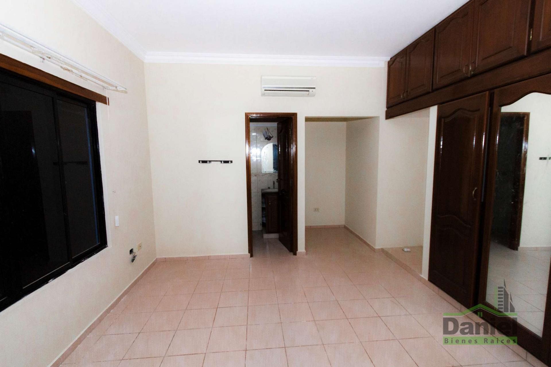 Casa en Venta CASA GRANDE ENTRE 4TO Y 5TO ANILLO RADIAL 27 Foto 11