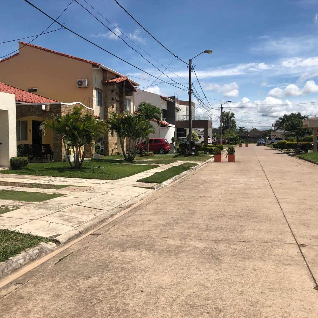 Terreno en Venta Septimo Anillo Zona Norte EN CONDOMINIO CERRADO Foto 4