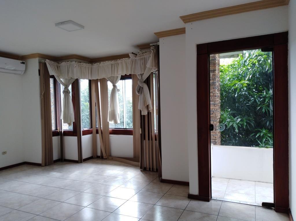 Casa en Alquiler ALQUILO LINDA CASA EN BARRIO PETROLERO SUR (POLANCO) Foto 13