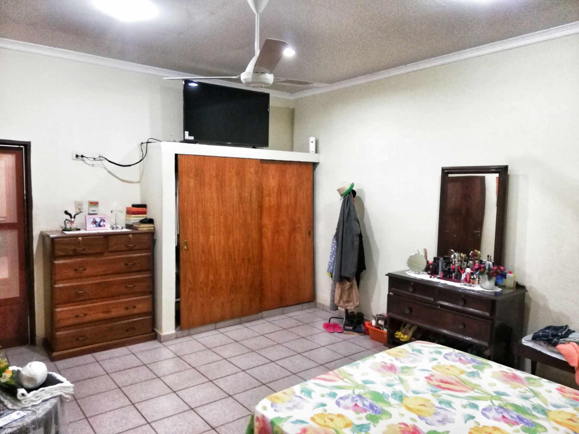 Casa en Venta HERMOSA CASA EN VENTA EN ZONA NORTE Foto 4