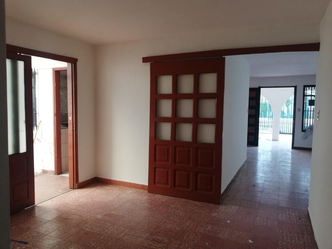 Casa en Alquiler AV. ALEMANA 3ER ANILLO Foto 5