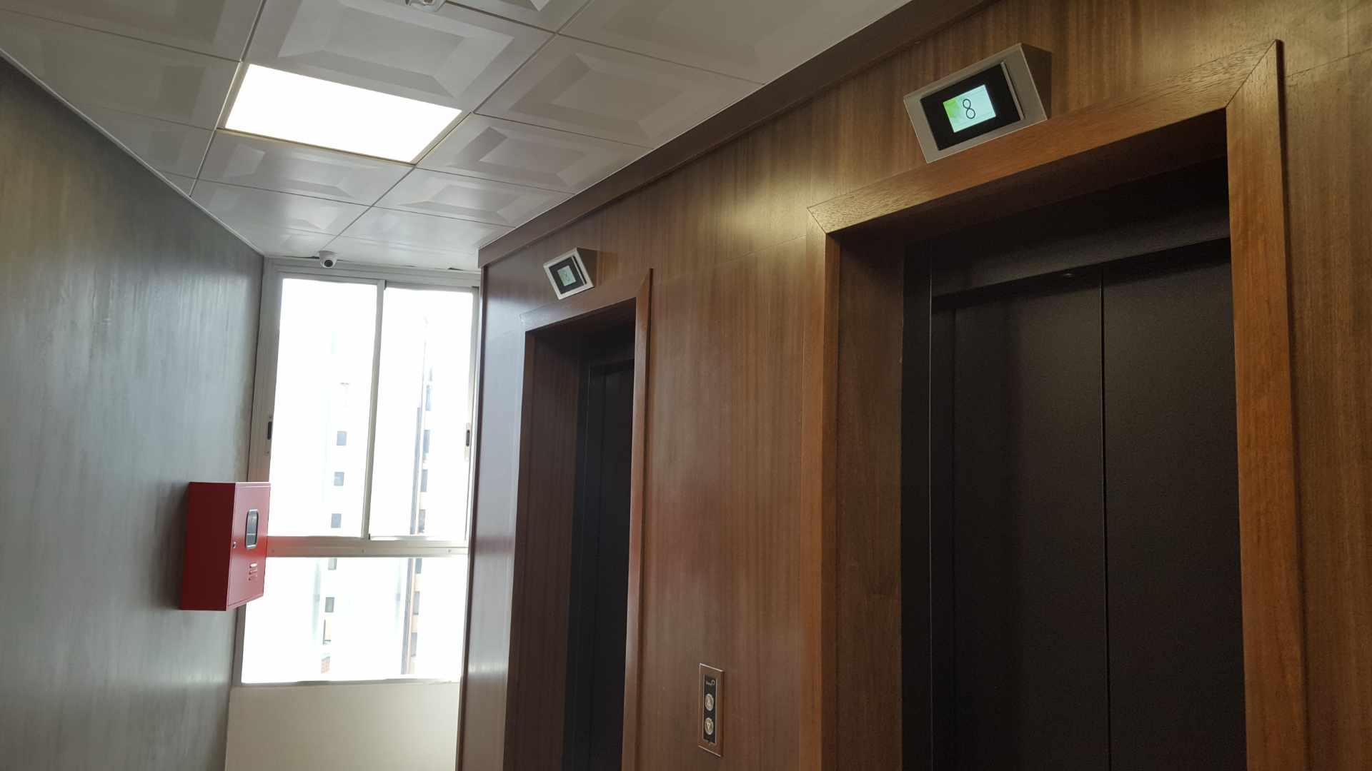 Oficina en Alquiler $U$.-1.400 PRECIOSA OFICINA EN ALQUILER ZONA CINE CENTER Foto 9