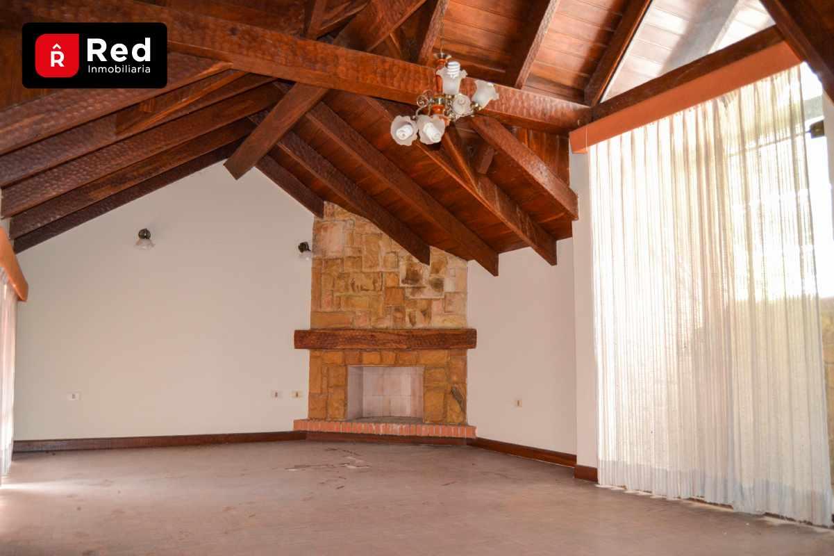 Casa en Venta Equipetrol Norte, Frente Manzano 40 Foto 3