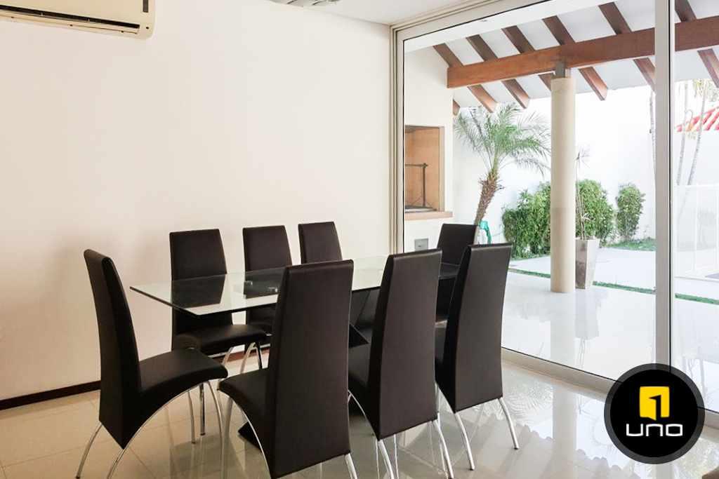 Casa en Alquiler LINDA Y AMPLIA CASA AMOBLADA EN CONDOMINIO PRIVADO ZONA OESTE 6TO ANILLO Foto 6