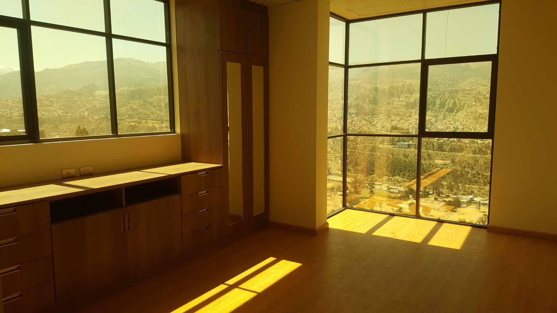 Departamento en Alquiler Edif. Taborga II. Urb. San Alberto.    Foto 6