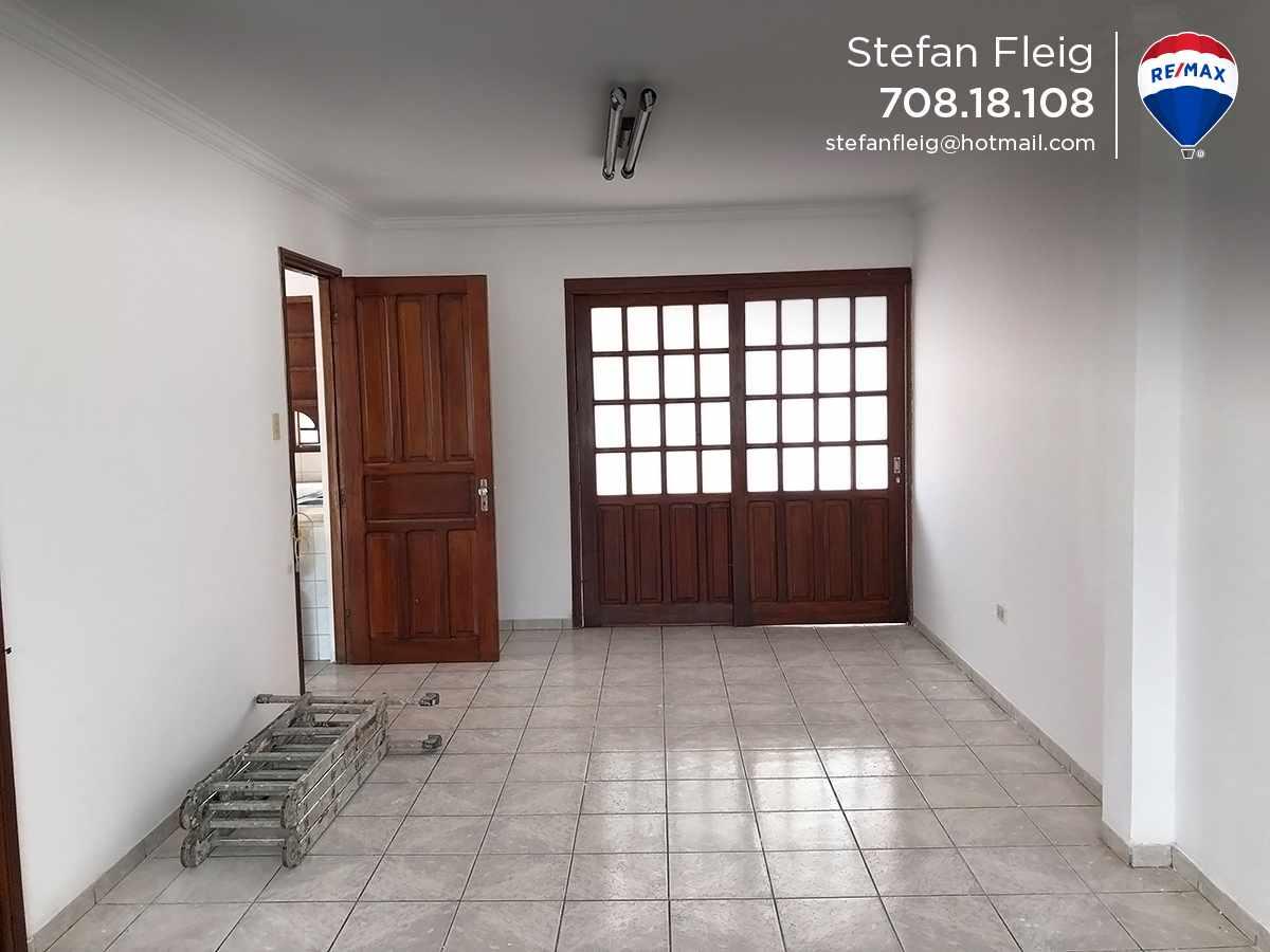 Casa en Venta Casa Avenida Beni entre 2do y 3er anillo, calle Guapomo Foto 6