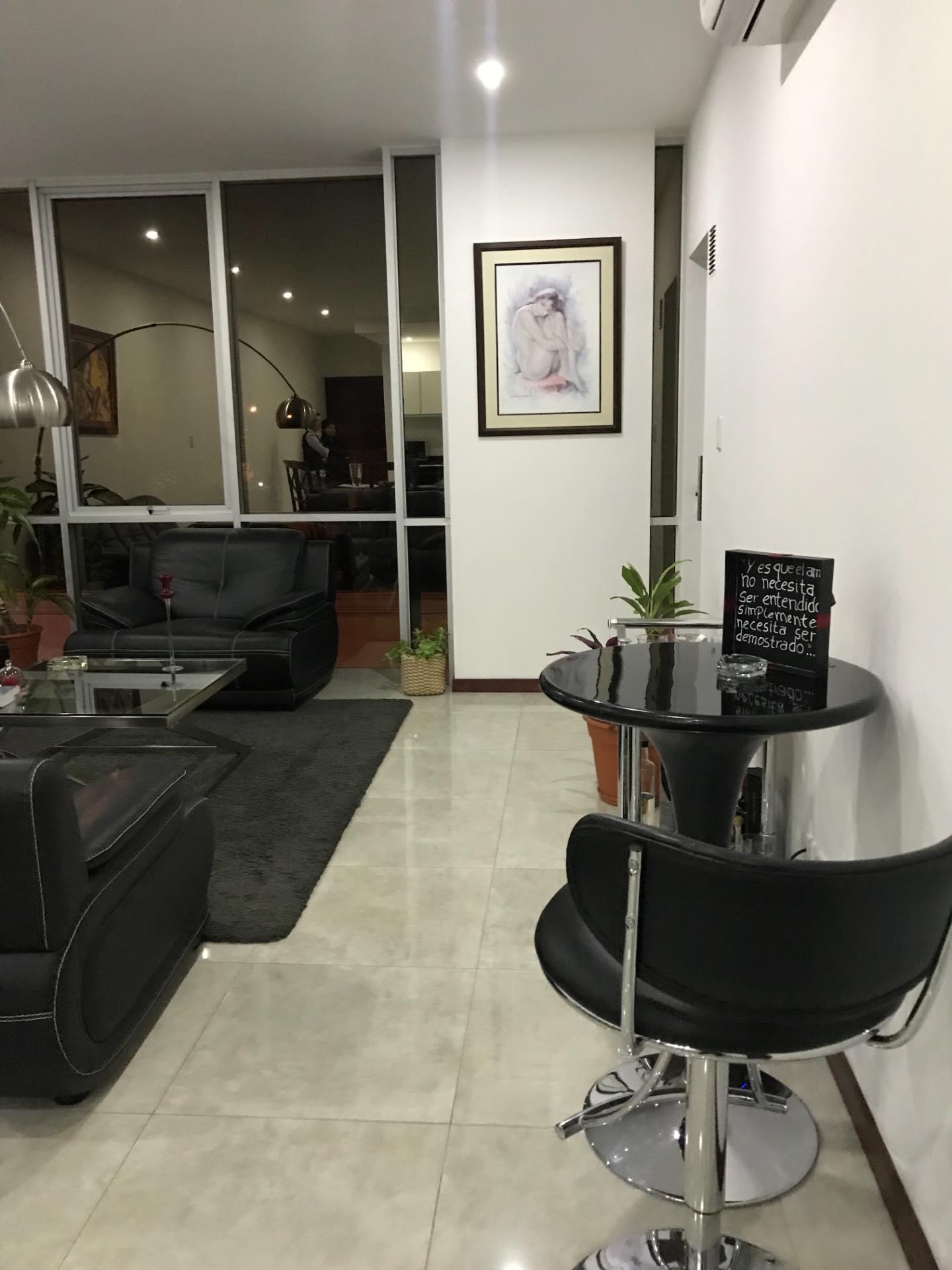 Departamento en Alquiler En exclusivo condominio zona Barrio Las Palmas  Foto 2