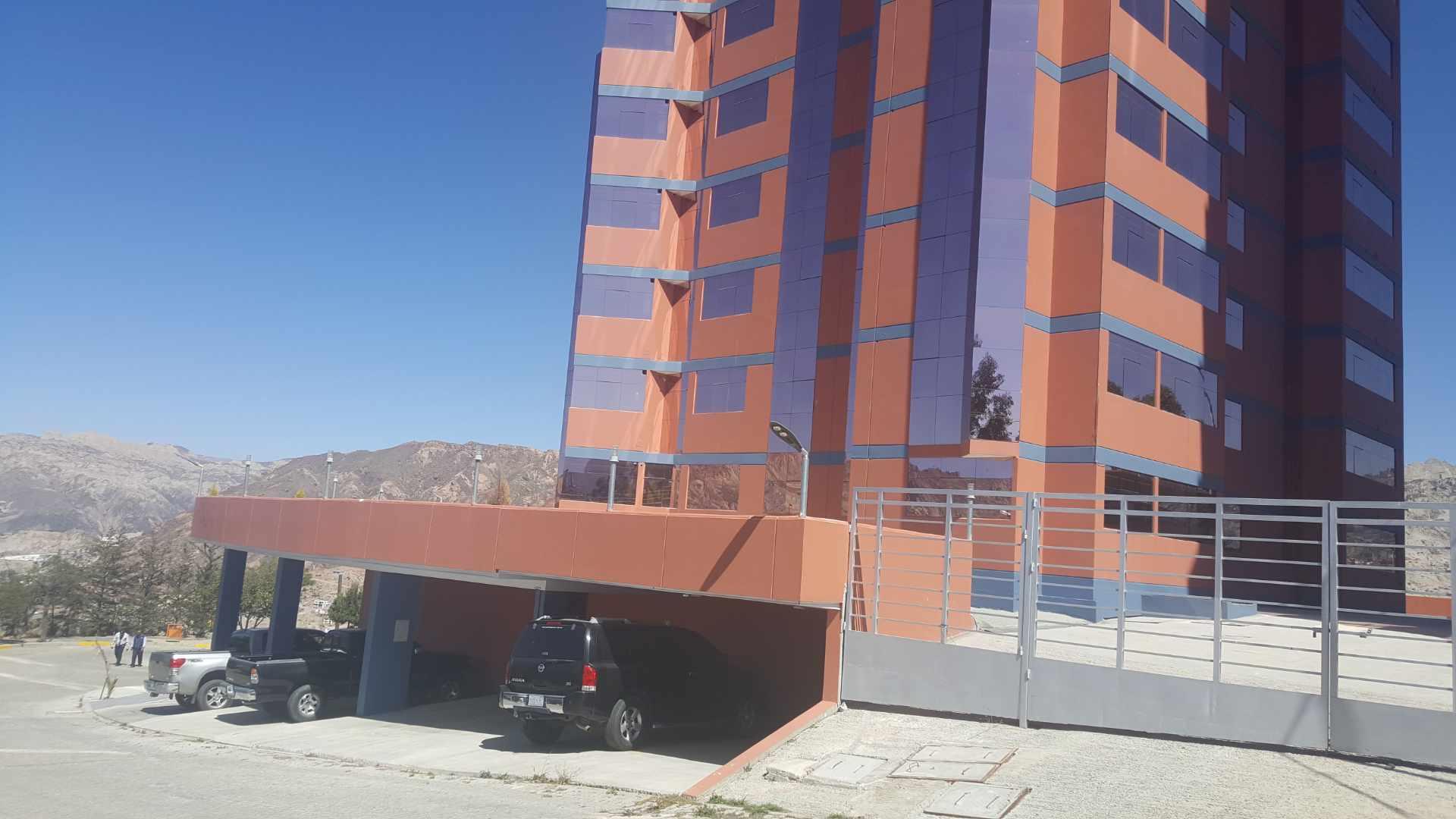 Departamento en Alquiler Edif. Taborga II. Urb. San Alberto.    Foto 16