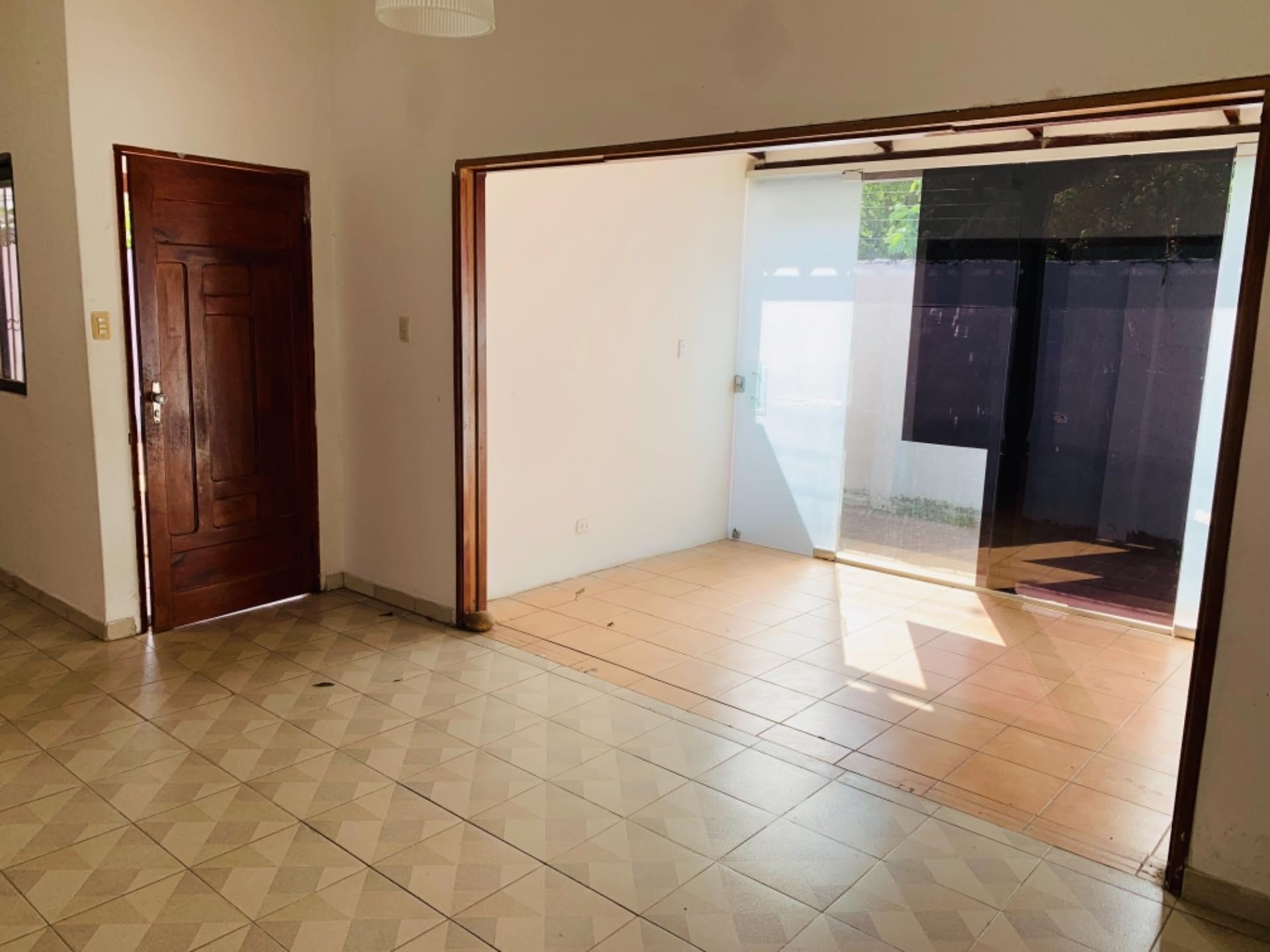 Casa en Alquiler Barrio Equipetrol entre 3er y 4to Anillo Foto 5
