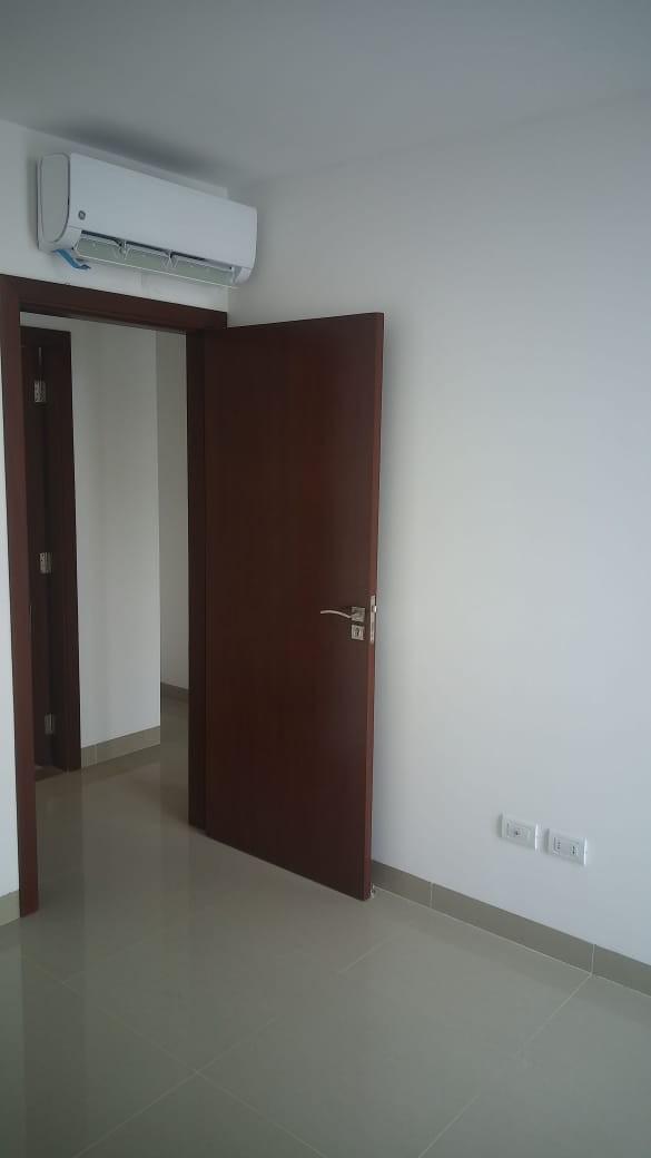 Departamento en Alquiler Av. Banzer 7mo Anillo Foto 12