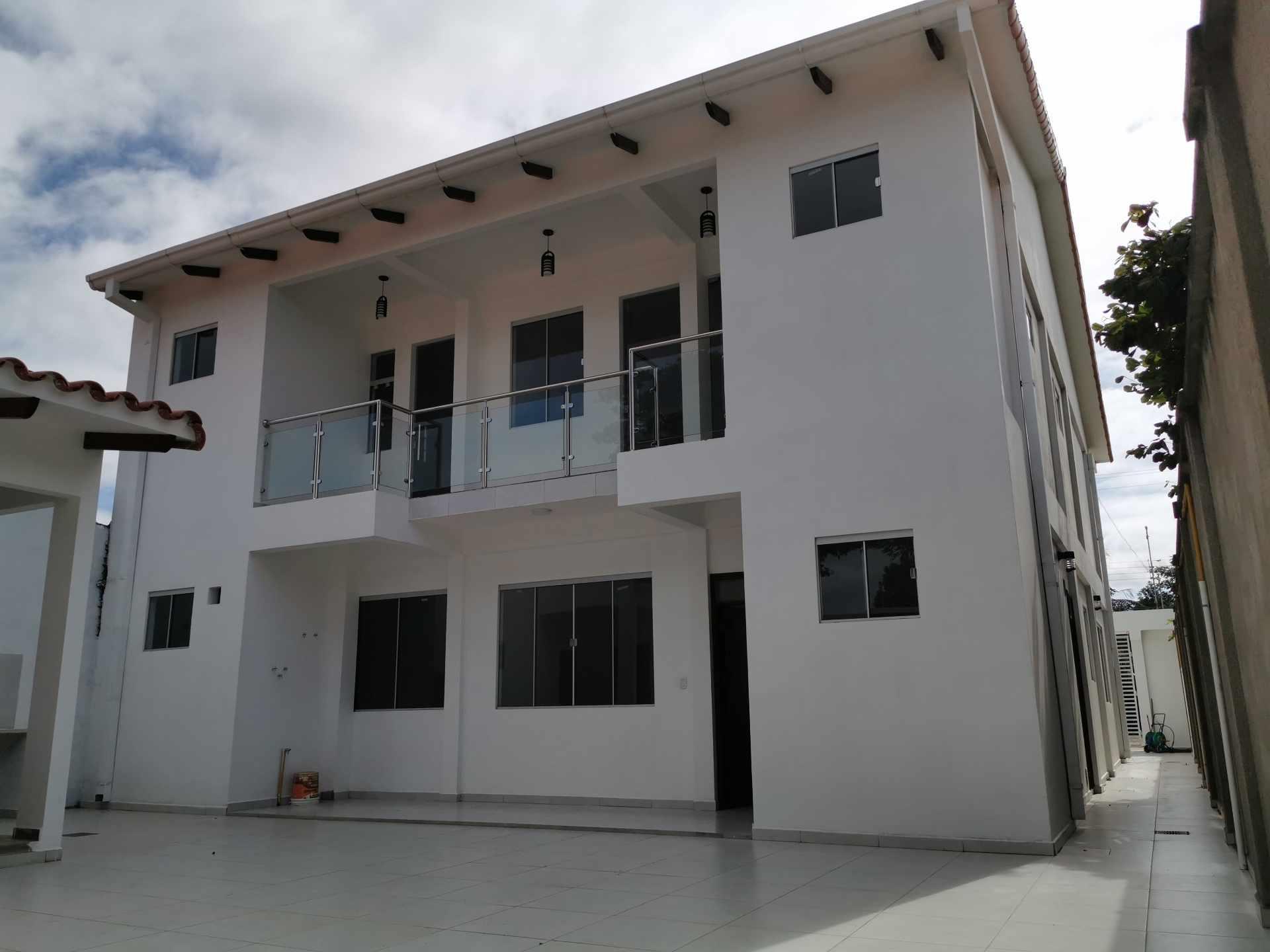 Casa en Venta VILLA 1ERO DE MAYO Foto 8