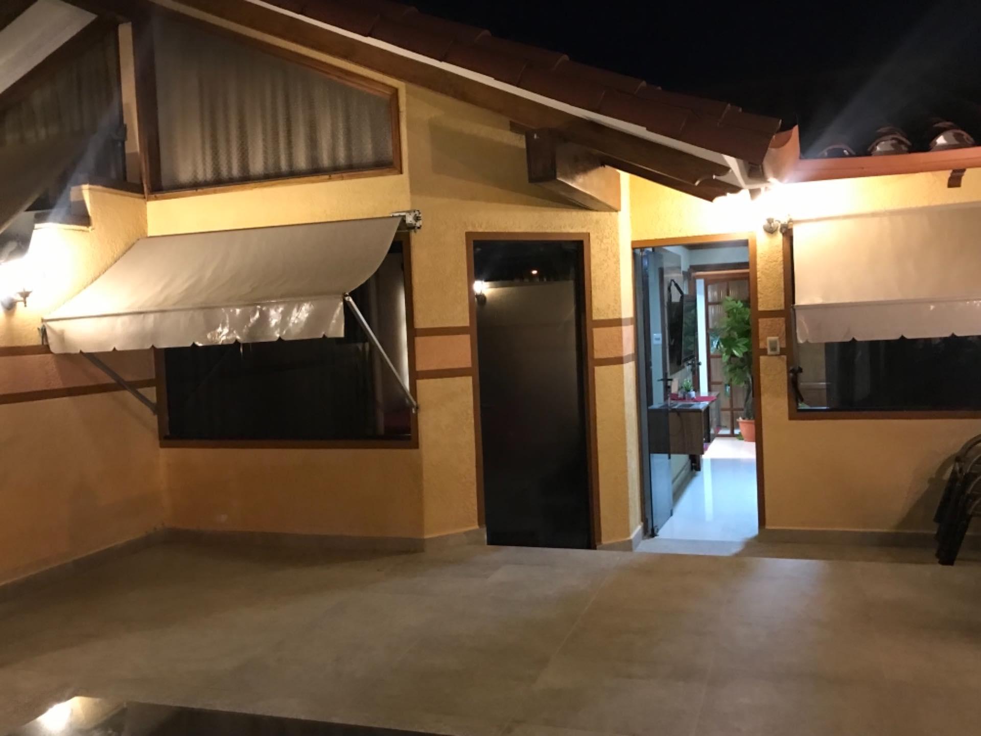 Casa en Venta Sobre avenida Santos Dumont entre 2do y 3er anilllo  Foto 17