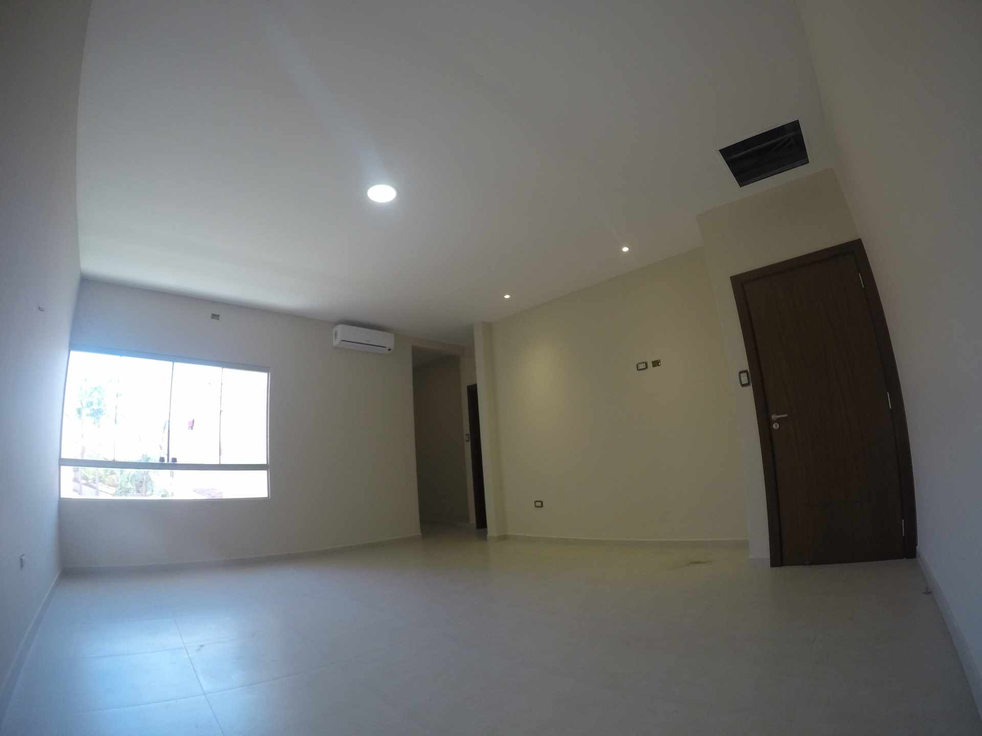 Casa en Alquiler Casa independiente en alquiler a estrenar, próximo a Parque Los Mangales II [Av. Beni y 4to. Anillo], De 3 plantas, 3 dormitorios (2 en suite), con dependencias. [1000$us.] Foto 6