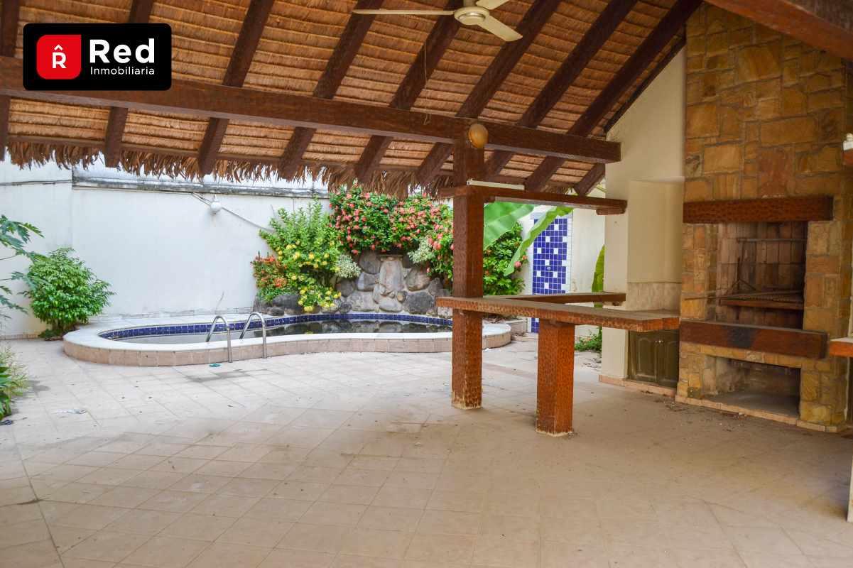 Casa en Venta Equipetrol Norte, Frente Manzano 40 Foto 7