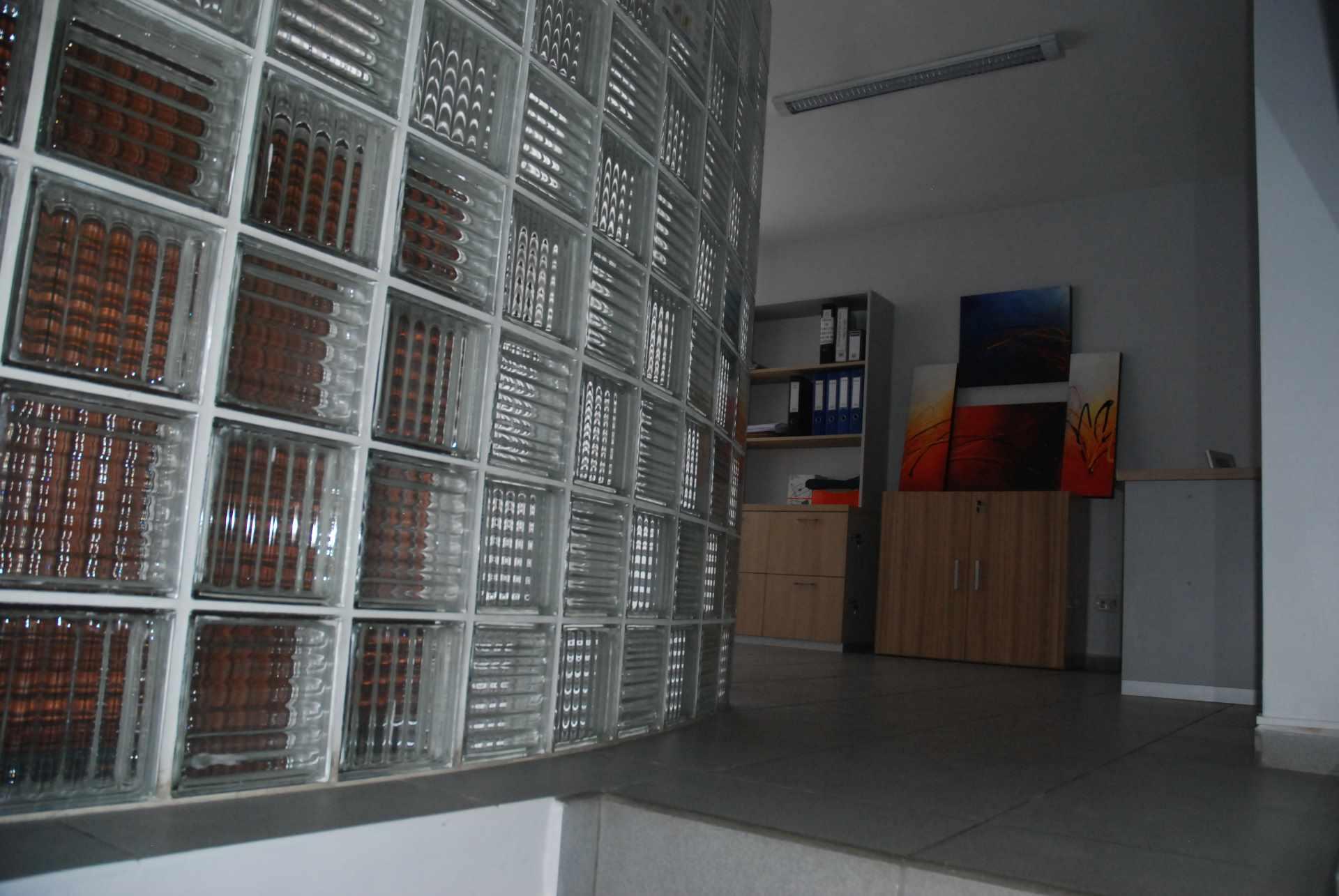Oficina en Alquiler Cerca del colegio Cristo Rey y Avenida Irala, Calle La Riva Foto 4