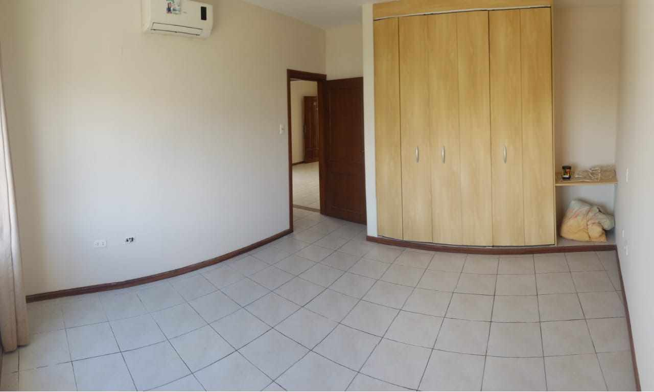 Departamento en Alquiler AV. BUSCH 3ER ANILLO -  ZONA UNIVERSIDAD UTEPSA Y UDABOL  Foto 4