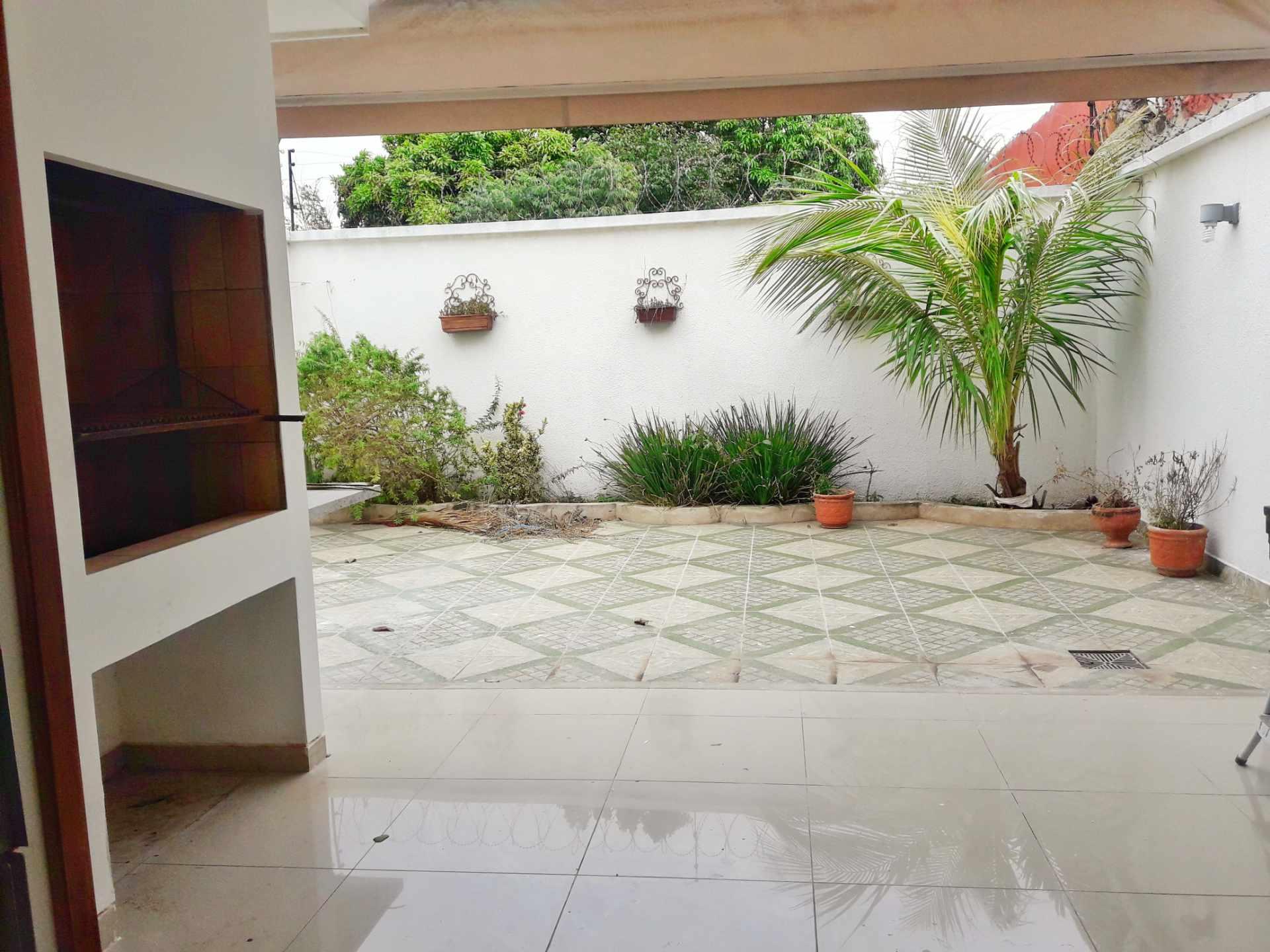 Casa en Venta Barrio Olender 3 pasos al frente entre 4to y 5to anillo Foto 4