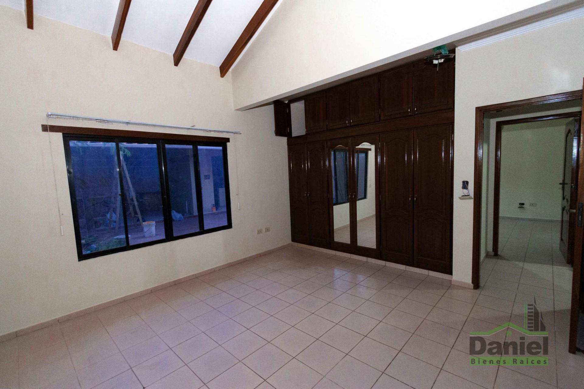 Casa en Venta CASA GRANDE ENTRE 4TO Y 5TO ANILLO RADIAL 27 Foto 13