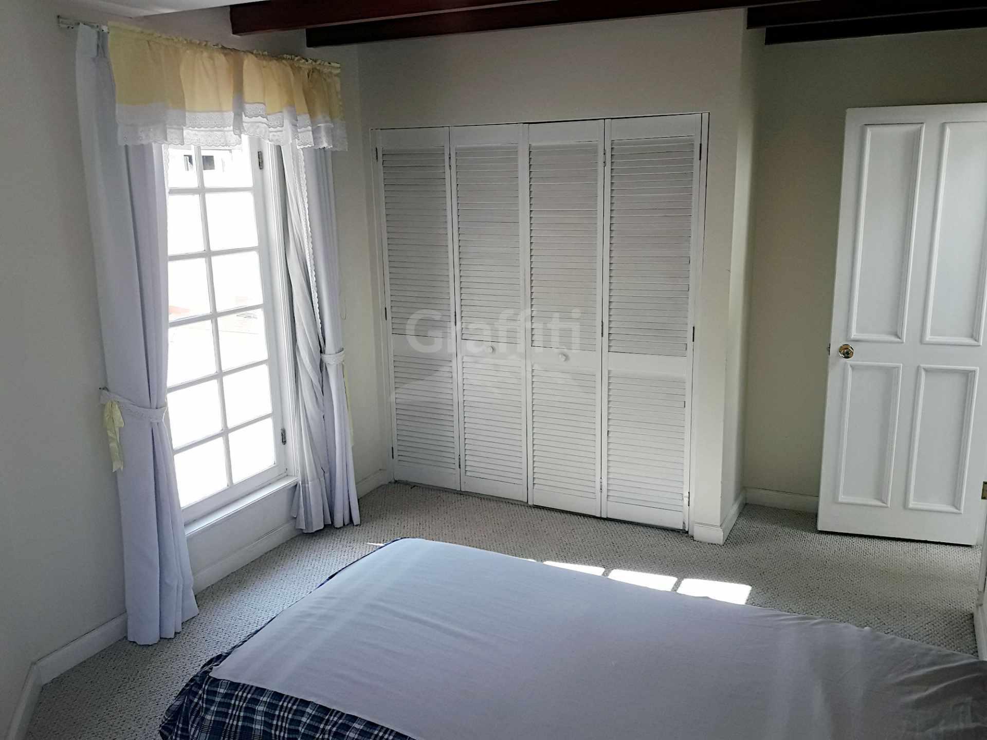 Casa en Alquiler Achumani calle 27 Foto 8