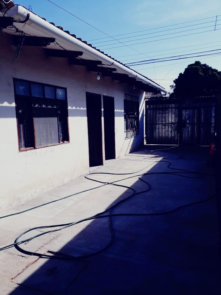 Casa en Venta 6to anillo entre radial 10 y cheguevara Foto 3
