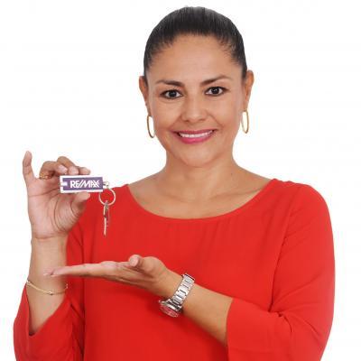 Ximena Muñoz - agente