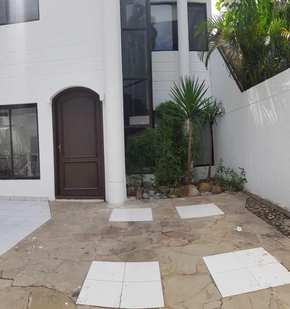 Casa en Alquiler LINDA CASA EN URBARI-  2 DORMITORIOS  Sus. 600.- Foto 7