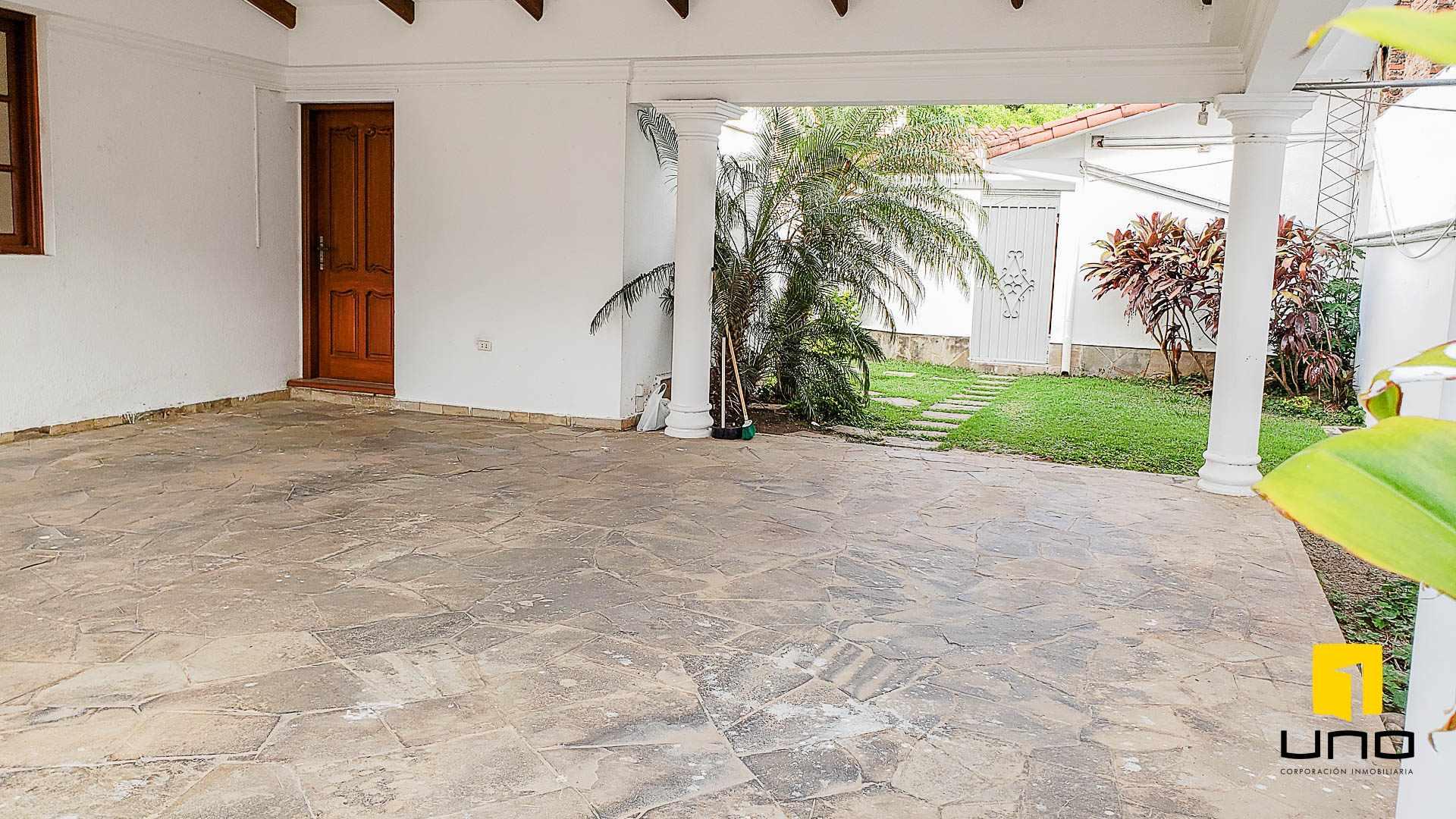 Casa en Alquiler BARRIO EQUIPETROL ALQUILO AMPLIA CASA PARA OFICINAS Foto 3