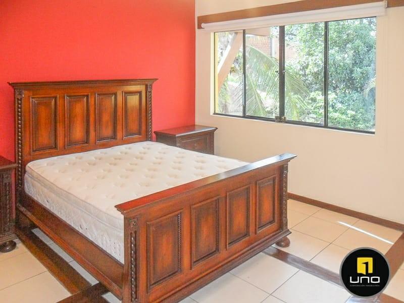 Casa en Alquiler ZONA NORTE, 4TO ANILLO Y CANAL ISUTO IDEAL PARA VIVENDA O EMPRESA Foto 2