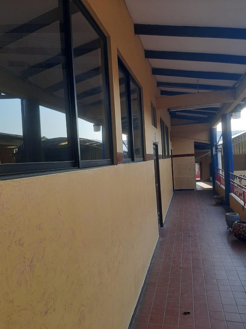 Local comercial en Venta 1ER ANILLO OMAR CHAVEZ DIAGONAL A LA RAMADA  Foto 13