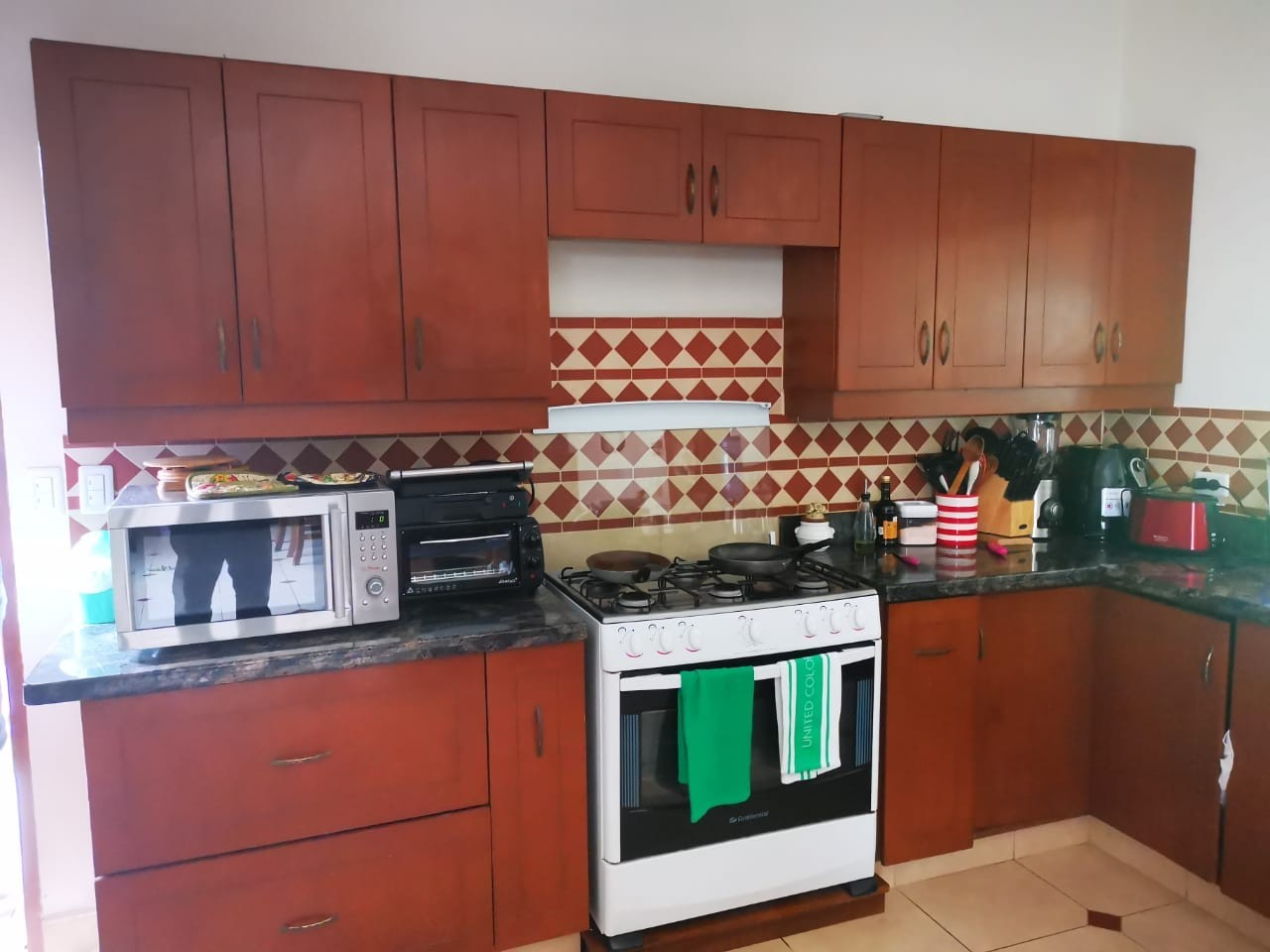 Casa en Alquiler URUBO, CASA EN ALQUILER 2500$ Foto 6