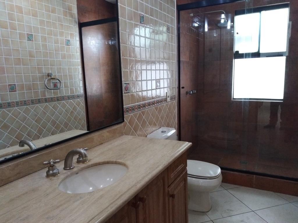 Casa en Alquiler BARRIO LAS PALMAS - AV. RADIAL CASTILLA Foto 9