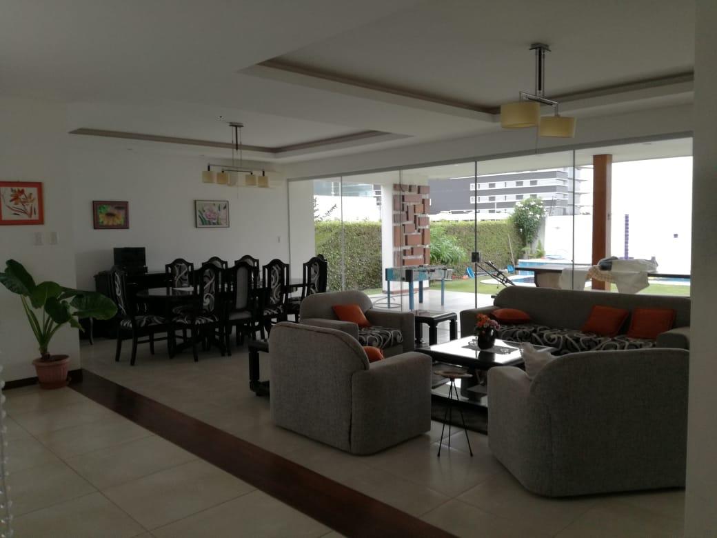 Casa en Alquiler Condominio exclusivo a pocos minutos del puente Urubó  Foto 18