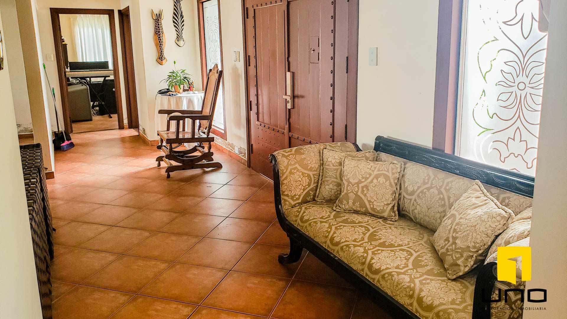 Casa en Alquiler COLINAS DEL URUBO I ALQUILO AMPLIA CASA DE UNA PLANTA Foto 10