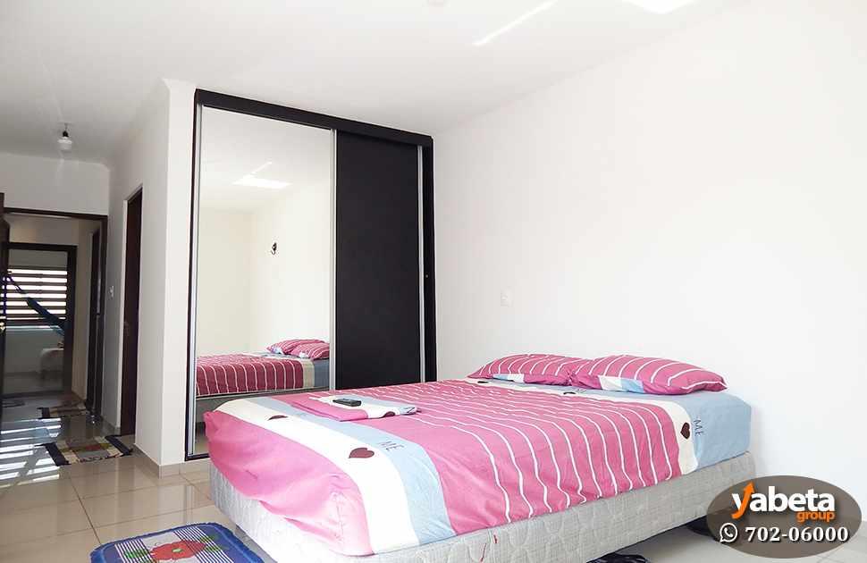 Casa en Venta Casa de 4 Dorm. en Venta en Cond. Sevilla Real Foto 7