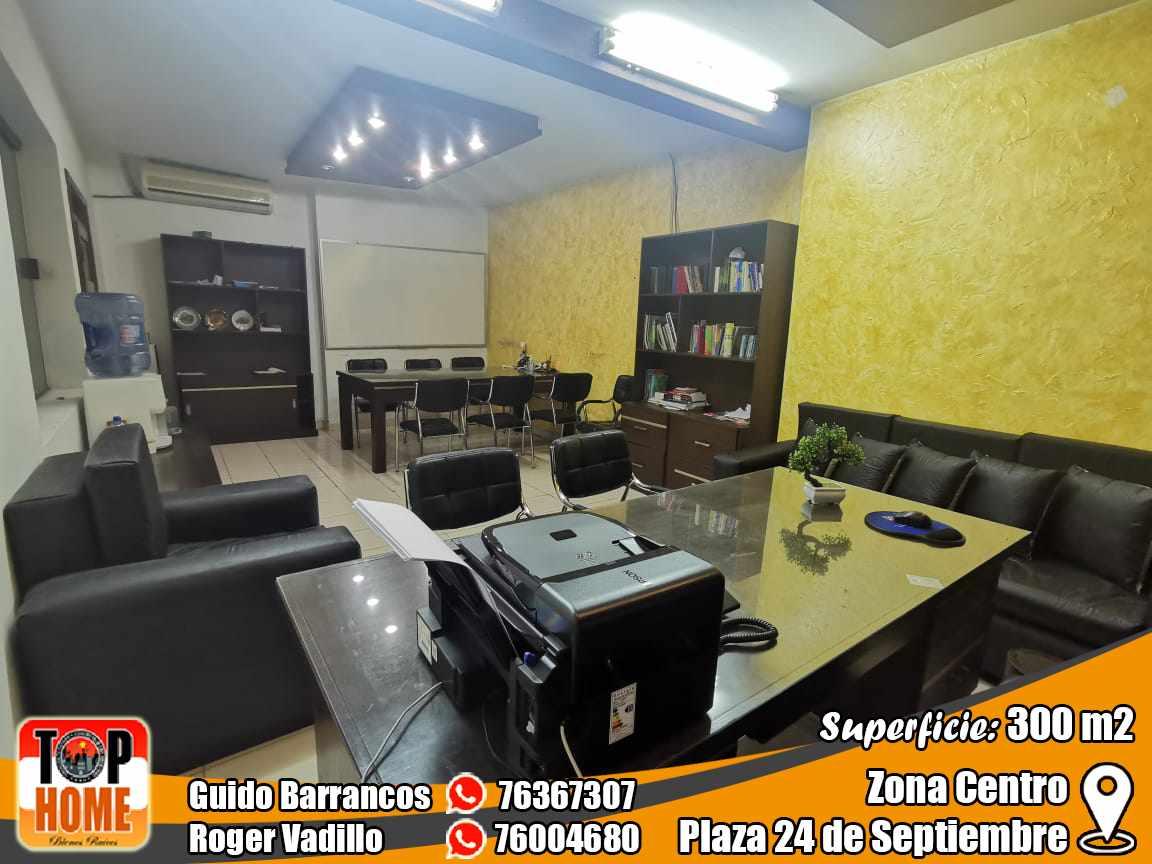 Casa en Alquiler Se Alquila 5 Oficinas En Alquiler Sobre Calle Importante En El Centro  Foto 8