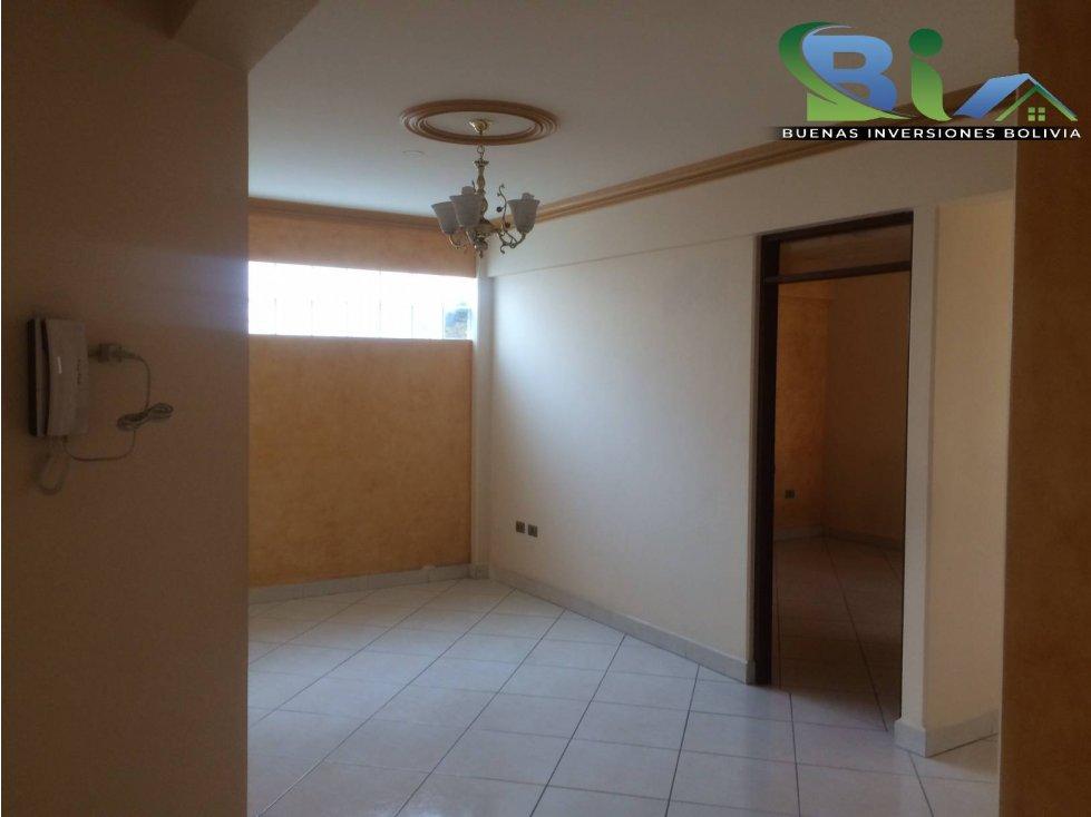 Casa en Alquiler $us1000CASA EMPRESA/FAMILIA PROX PLAZA QUINTANILLA Foto 16