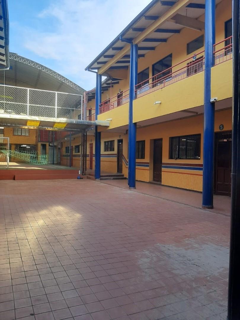 Local comercial en Venta 1ER ANILLO OMAR CHAVEZ DIAGONAL A LA RAMADA  Foto 10
