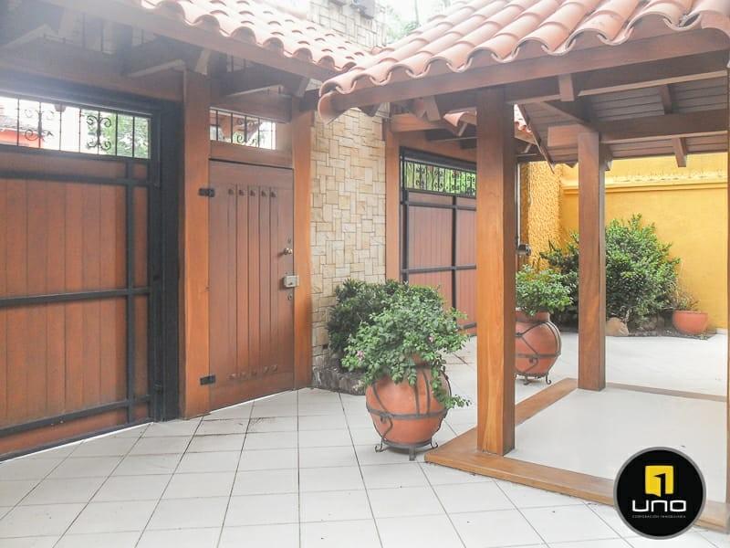 Casa en Alquiler ZONA NORTE, 4TO ANILLO Y CANAL ISUTO IDEAL PARA VIVENDA O EMPRESA Foto 5