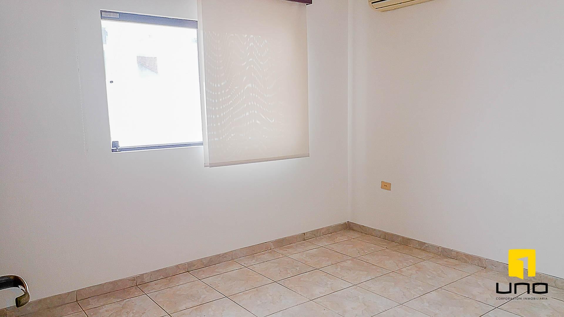 Casa en Venta $us 150.000 VENDO CASA AV ALEMANA DENTRO 3ER ANILLO TIPO DUPLEX Foto 5