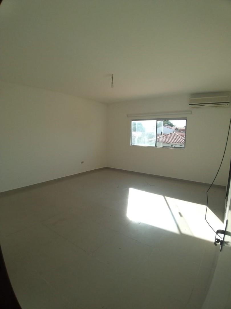 Casa en Alquiler Zona Norte Avenida Banzer Km 10 Foto 15