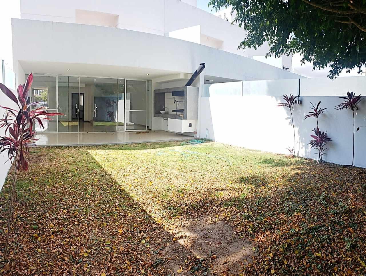 Casa en Alquiler CASA EN ALQUILER CONDOMINIO LE PARC . Foto 3