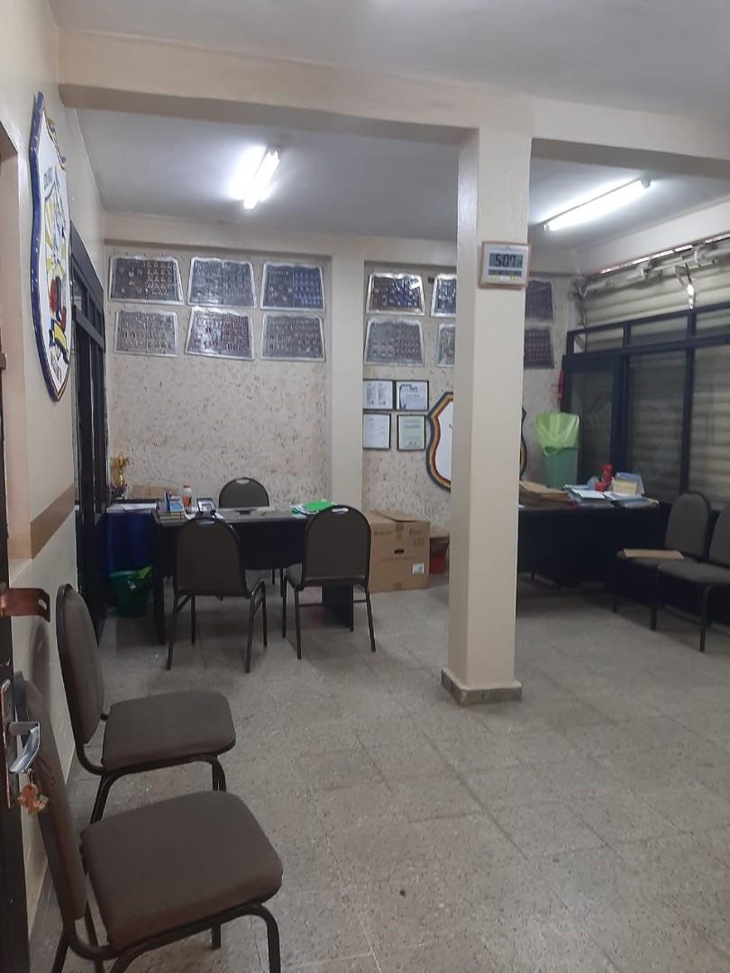 Local comercial en Venta 1ER ANILLO OMAR CHAVEZ DIAGONAL A LA RAMADA  Foto 3