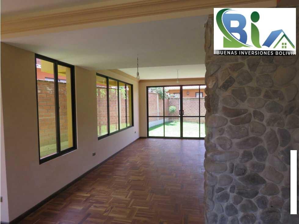 Casa en Alquiler $us.850 ALQUILER CASA 4 SUITES EN CONDOMINIO PROX. COL. TIQUIPAYA Foto 3