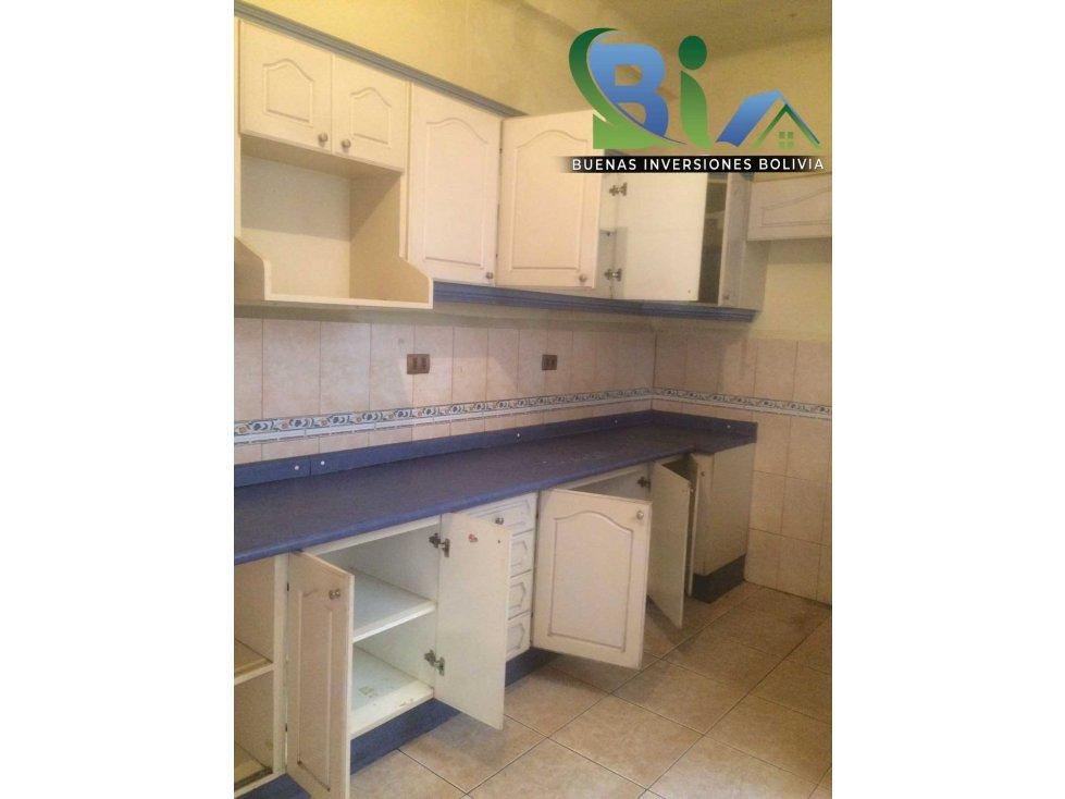 Casa en Alquiler $us 700.- CASA IDEAL OFICINA/VIVIENDA ZONA CENTRAL Foto 8