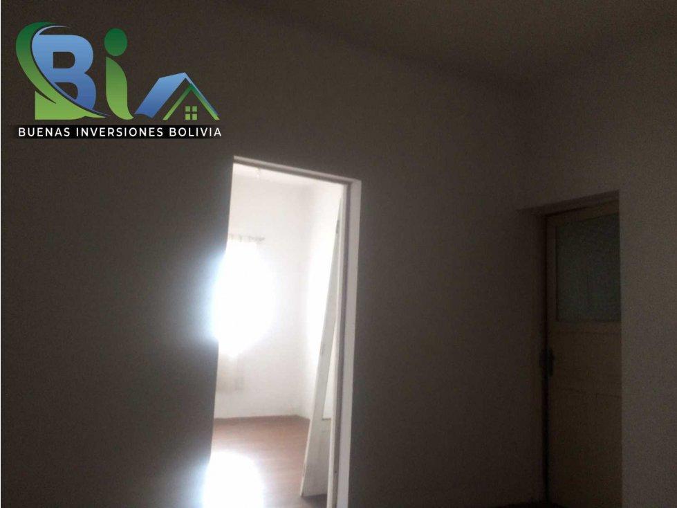 Casa en Alquiler $us 700.- CASA IDEAL OFICINA/VIVIENDA ZONA CENTRAL Foto 18