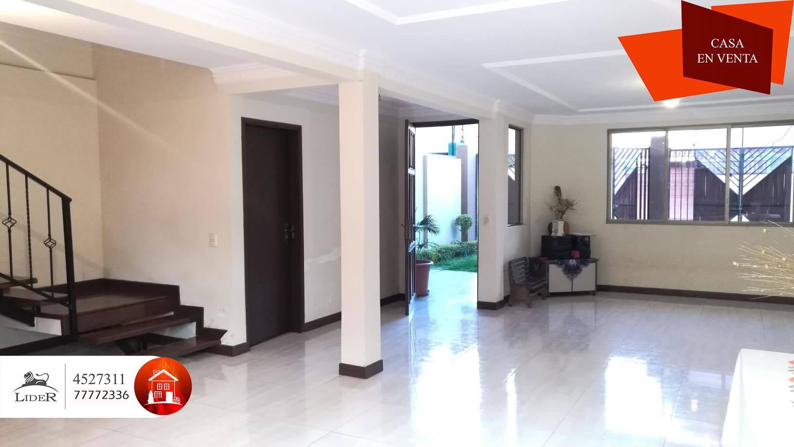 Casa en Venta CHALET PROXIMO AV. AMÉRICA OESTE (BARRIO PROFESIONAL) Foto 7