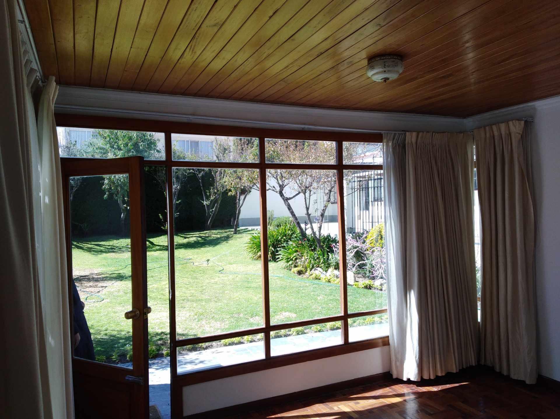Casa en Alquiler CALACOTO calle 16 a 1/2 cuadra de la Av. Julio C. Patiño.  Foto 12