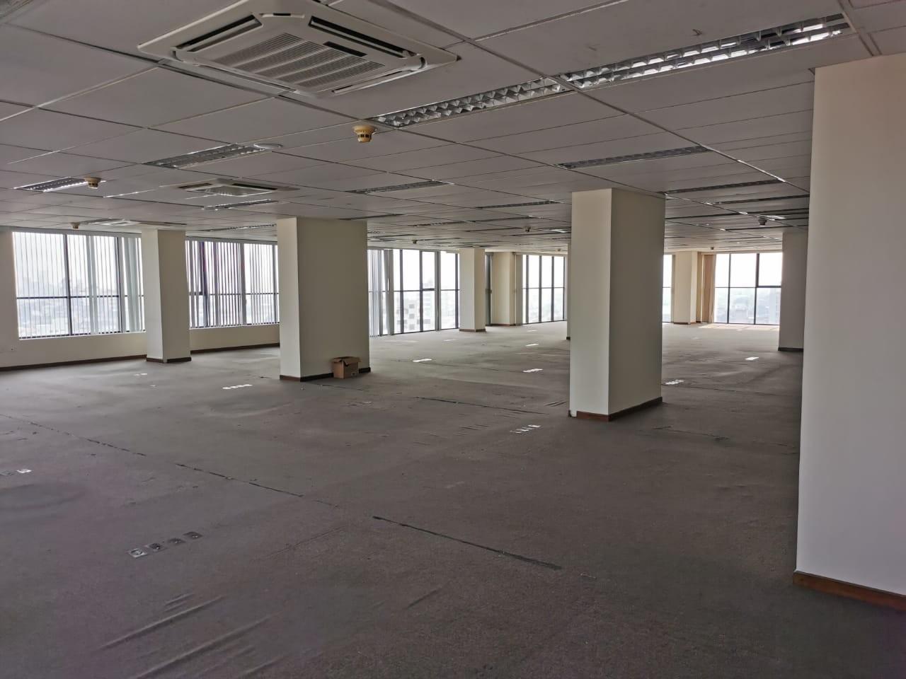 Oficina en Venta Torre Empresarial Cainco Foto 6