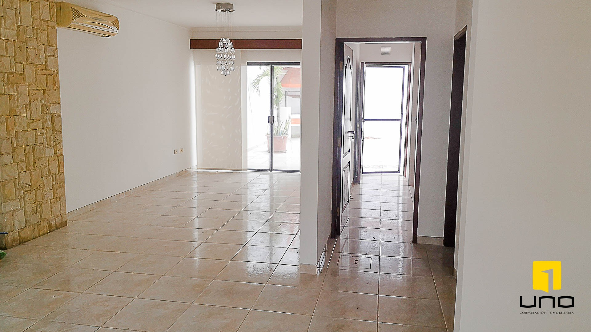 Casa en Venta $us 150.000 VENDO CASA AV ALEMANA DENTRO 3ER ANILLO TIPO DUPLEX Foto 13