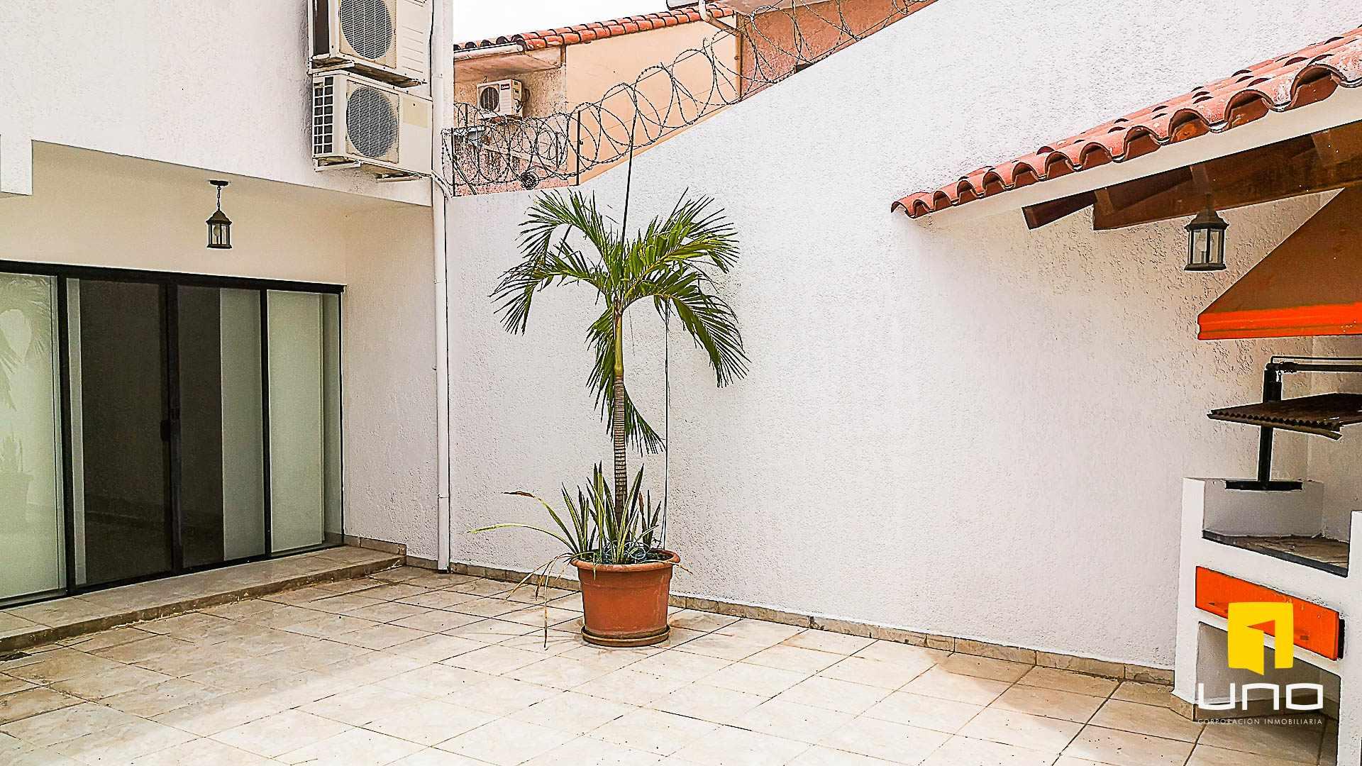 Casa en Venta $us 150.000 VENDO CASA AV ALEMANA DENTRO 3ER ANILLO TIPO DUPLEX Foto 6